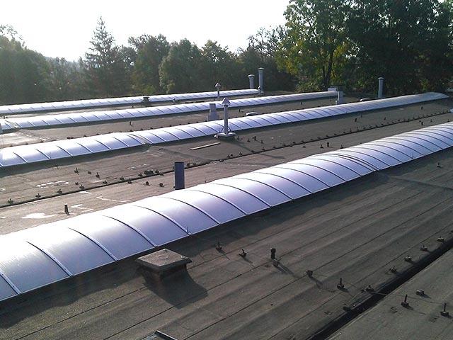 montaż świetlików dachowych